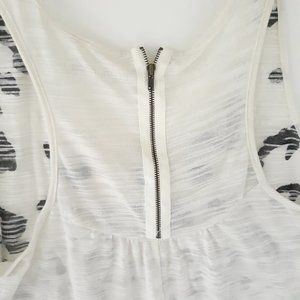 Maurices Tops - Maurices 1X Jaguar Print Off-White Black Tank Top